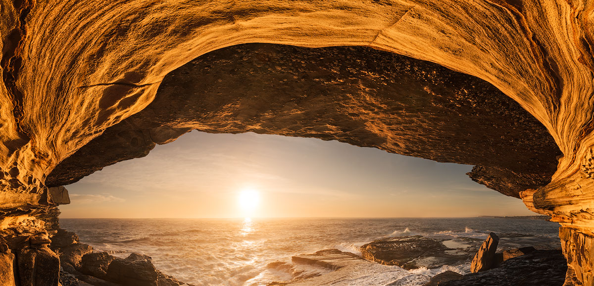 Clovelly Beach Stone Arch ocean sunrise